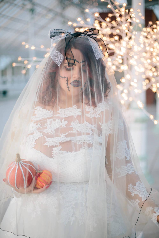 ISLA GLADSTONE WEDDING PHOTOGRAPHER STEPHEN MCGOWAN HALLOWEEN BLOG 006