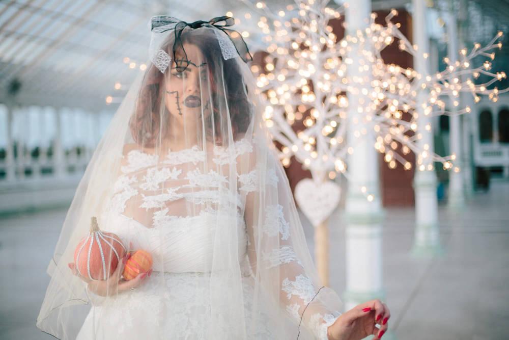 ISLA GLADSTONE WEDDING PHOTOGRAPHER STEPHEN MCGOWAN HALLOWEEN BLOG 009
