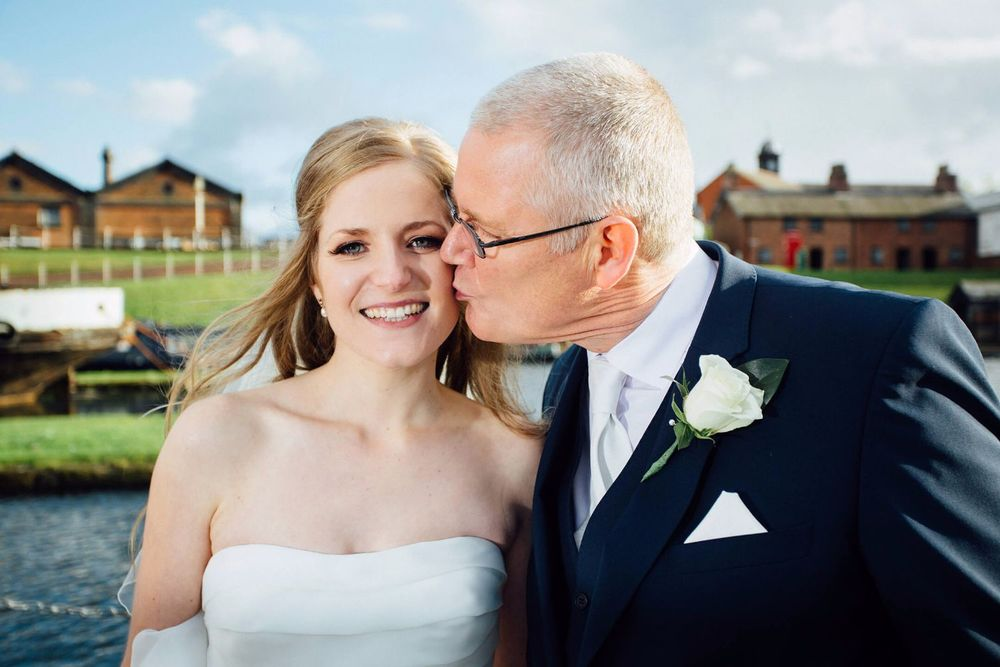 ELLESMERE PORT WEDDING PHOTOGRAPHER STEPHEN MCGOWAN 307.jpg