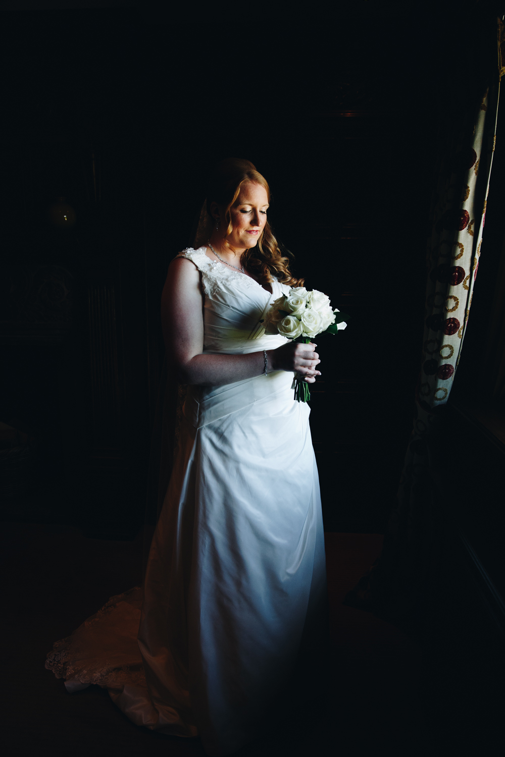 BRIDE PORTRAIT  AT INGLEWOOD MANOR