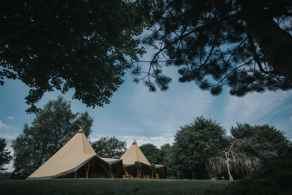 CHESHIRE TIPI WEDDING