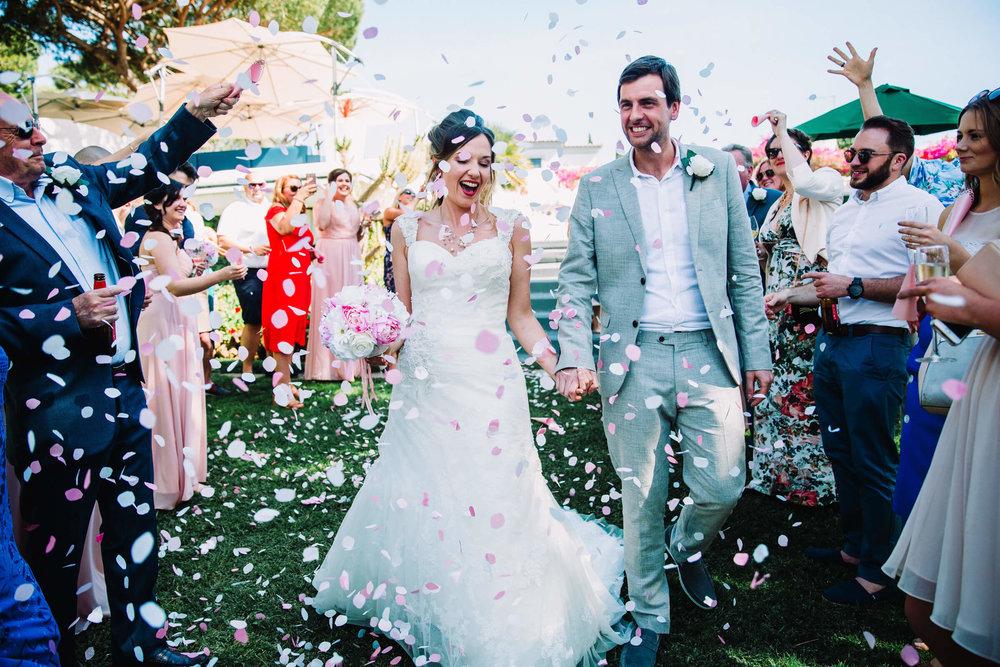 vilamoura wedding couple with confetti