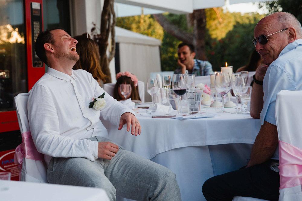 usher laughing at groom speech
