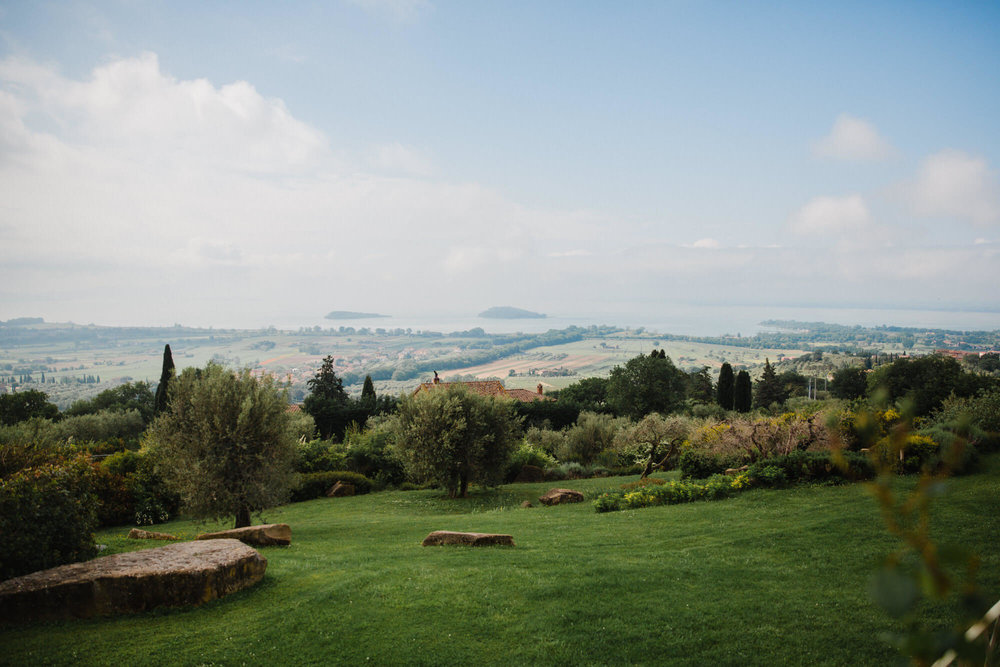 wide angle lens photograph of tuscany landscape