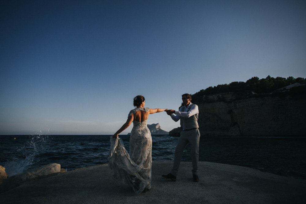 Siân and Ryan practice their first dance at Sunset.