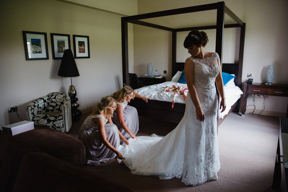 bridesmaids fluff wedding dress for bride