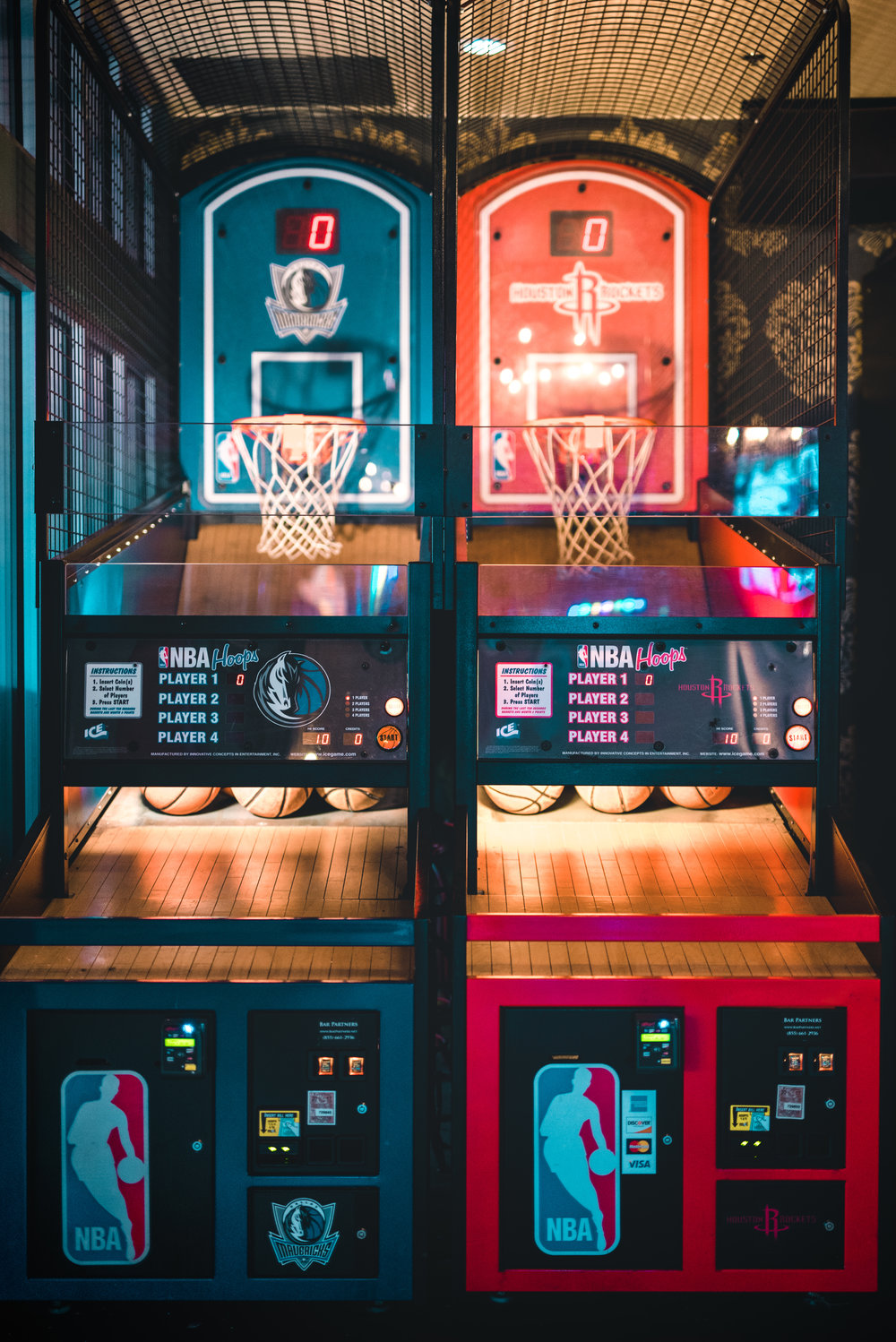 DALLAS TROPHY ROOM ARCADE GAMES