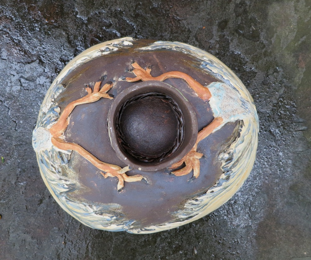 Bird bowl, bottom view