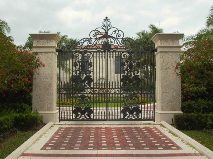 Cast Gate
