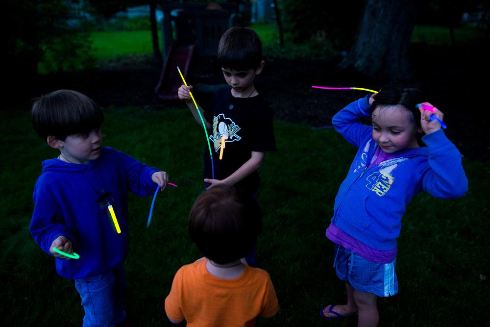 greensburg pa photographer glow sticks