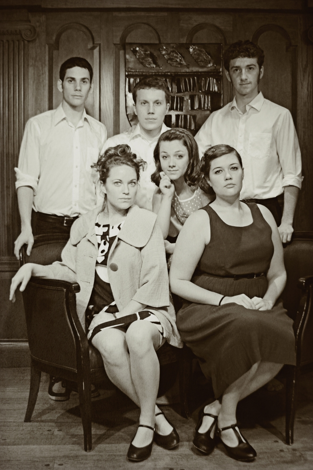 L to R : Buddy ( Richard Miron ), Bessie ( Hannah Loeb ), Zooey ( James Dieffenbach ), Young Franny ( Molly Sinnott ), Boo Boo ( Mary Bolt ), Seymour ( Tommy Bazarian ).