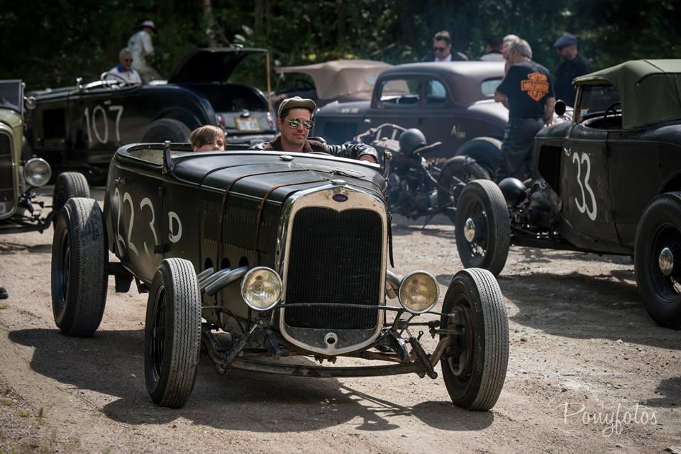 Roadster Club Scandinavia   MEMBERS & CARS    Read more