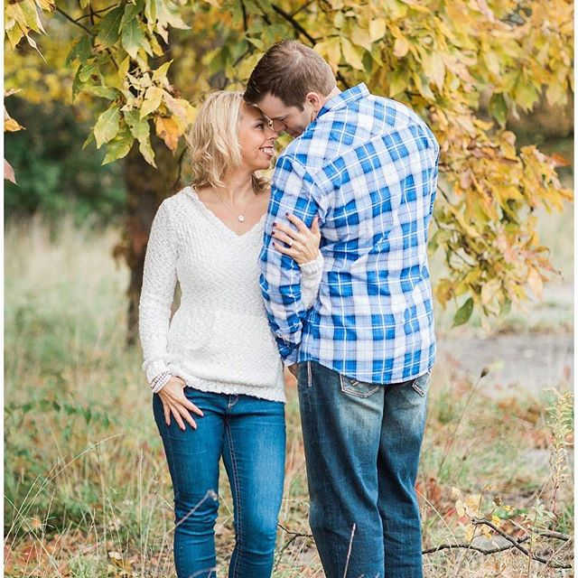 Fall engagements have my heart!!!! #floridawedding . . . . . #indianaweddingphotographer #chicagoweddings #chicagoweddingphotographer #destinationweddings #destinationweddingphotographer #weddings #couples #teresaschmidtphotographyweddings