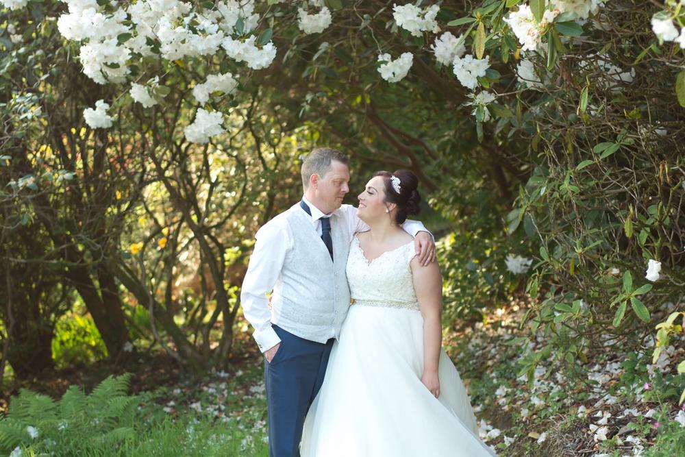 zoe and chris lukesland gardens ivybridge wedding  042.jpg