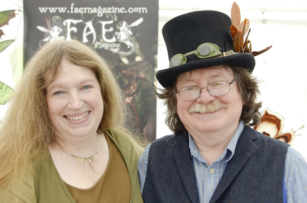 Ever wondered what the creative minds behind the wonderful creatures in the movie The Labrynth looked like? well, meet  The Frouds  . They are also the parents of the little baby in the film.