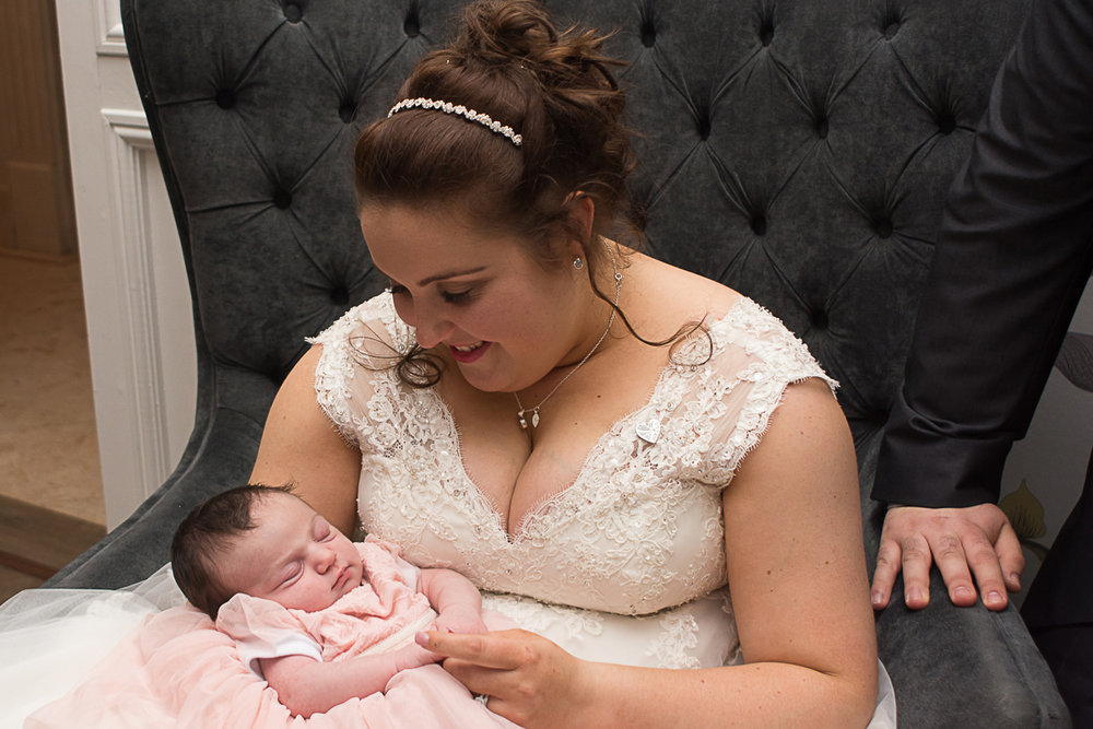 bride and her baby niece at the carbis bay hotel cornwall