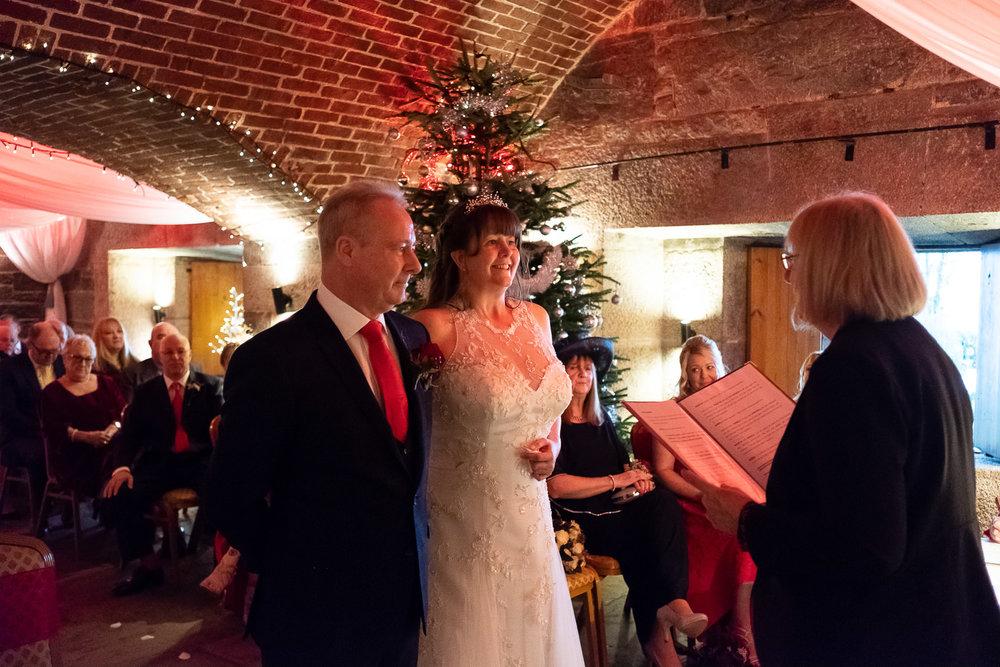 Polhawn Fort Wedding 019.jpg