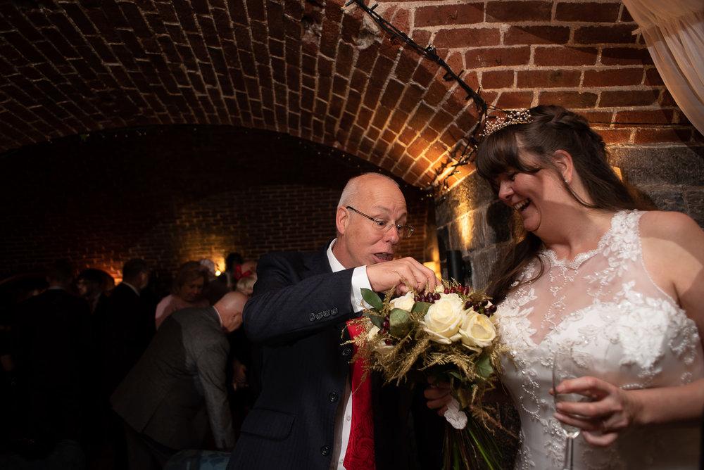 Polhawn Fort Wedding 028.jpg