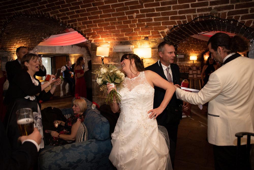 Polhawn Fort Wedding 038.jpg