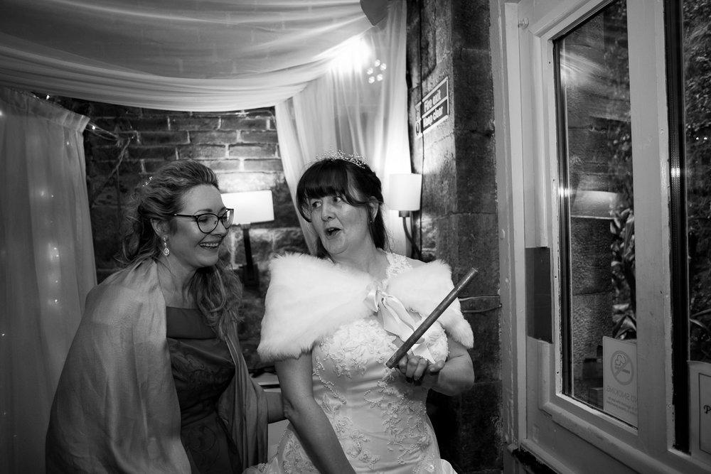 Polhawn Fort Wedding 040.jpg