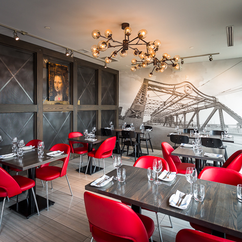 Interior design, setting, ambiance, environment and atmosphere at the restaurant IL Ponte in Toronto