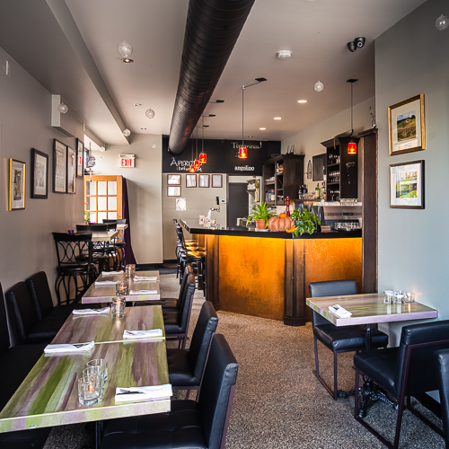 Interior design, setting, ambiance, environment and atmosphere at the restaurant Angolino in Toronto