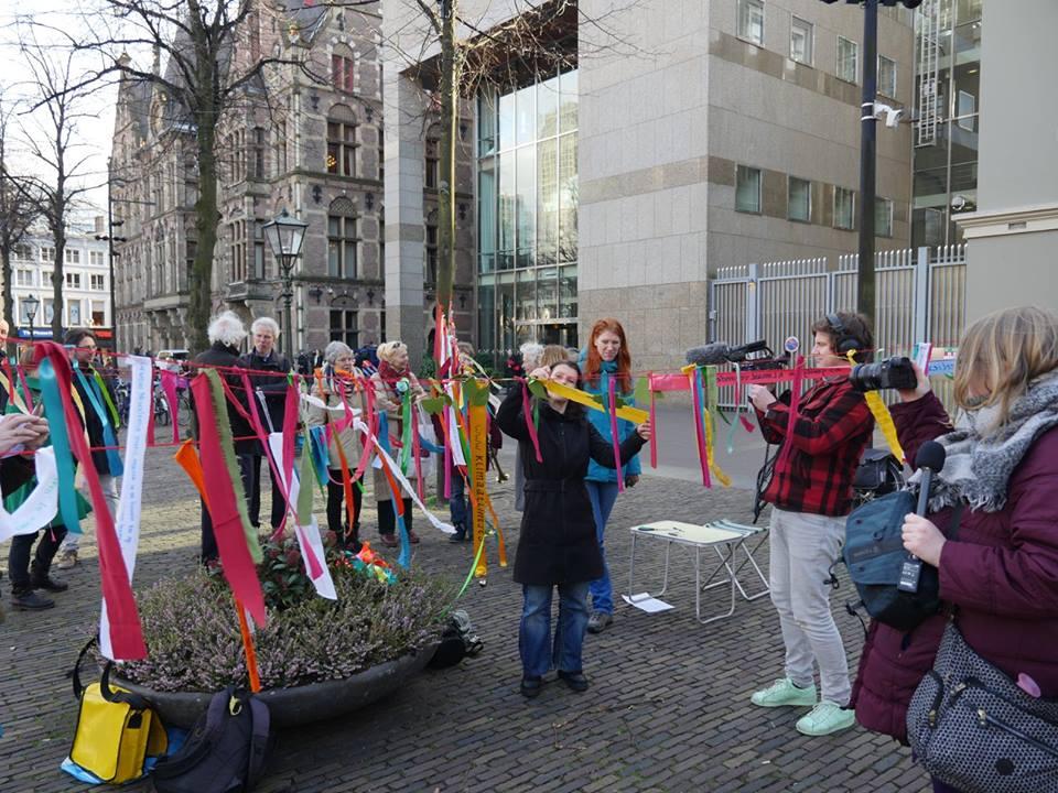 klimaatlintjes Den Haag 2maart2017.jpg