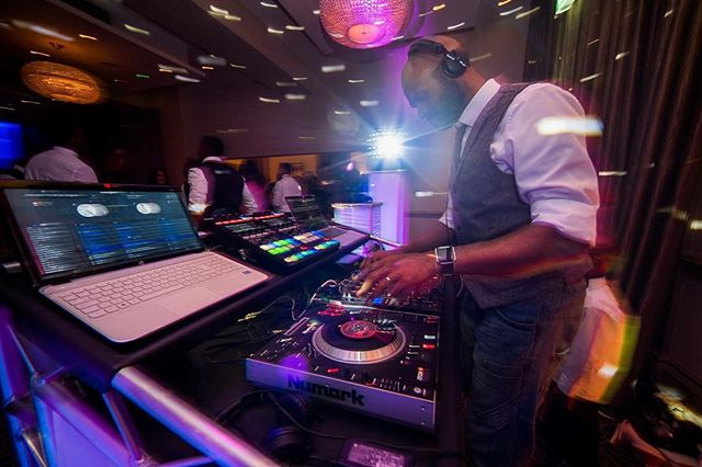 Massive respect to @jamesaphotography.co.uk for some incredible action shots all night. 👌🏾 #djlife #hybrdentertainment #weddings #venues #music #party #dancing #booth #lighting #photography #seratodj #traktordj #throwbackthursday