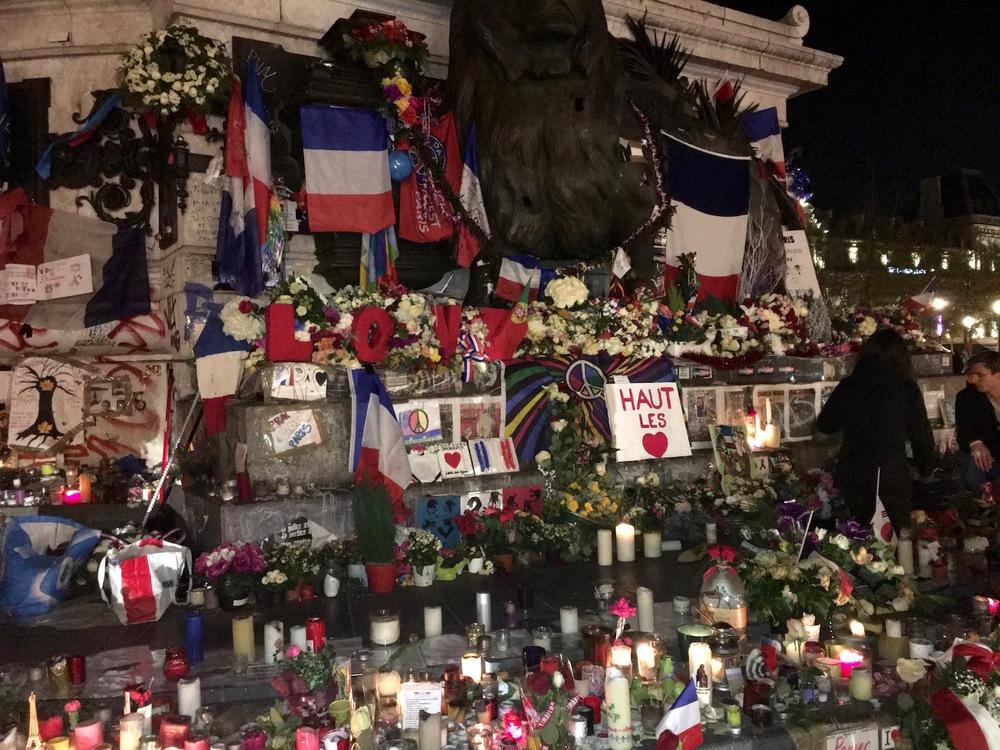 Tributes at Place de la Republic
