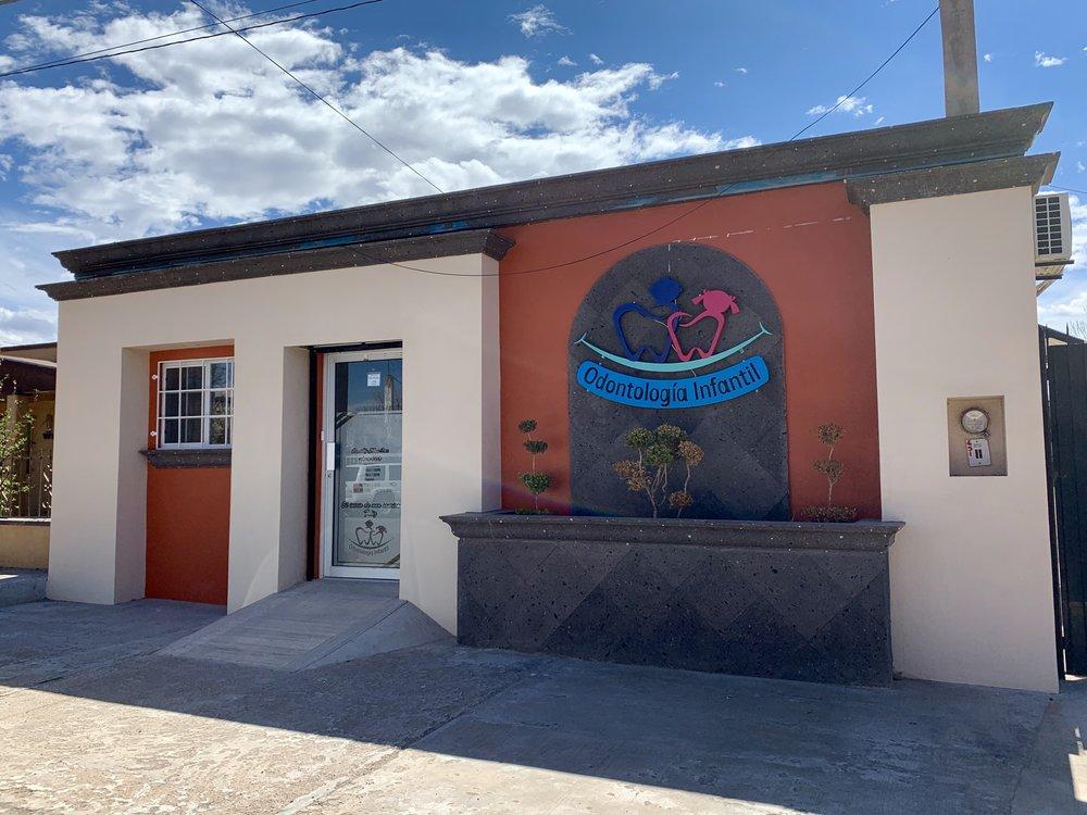 A Periodoncista office in Agua Prieta.