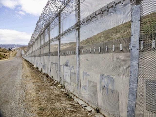 The border near Nogales, AZ. Photo credited to USA Today.