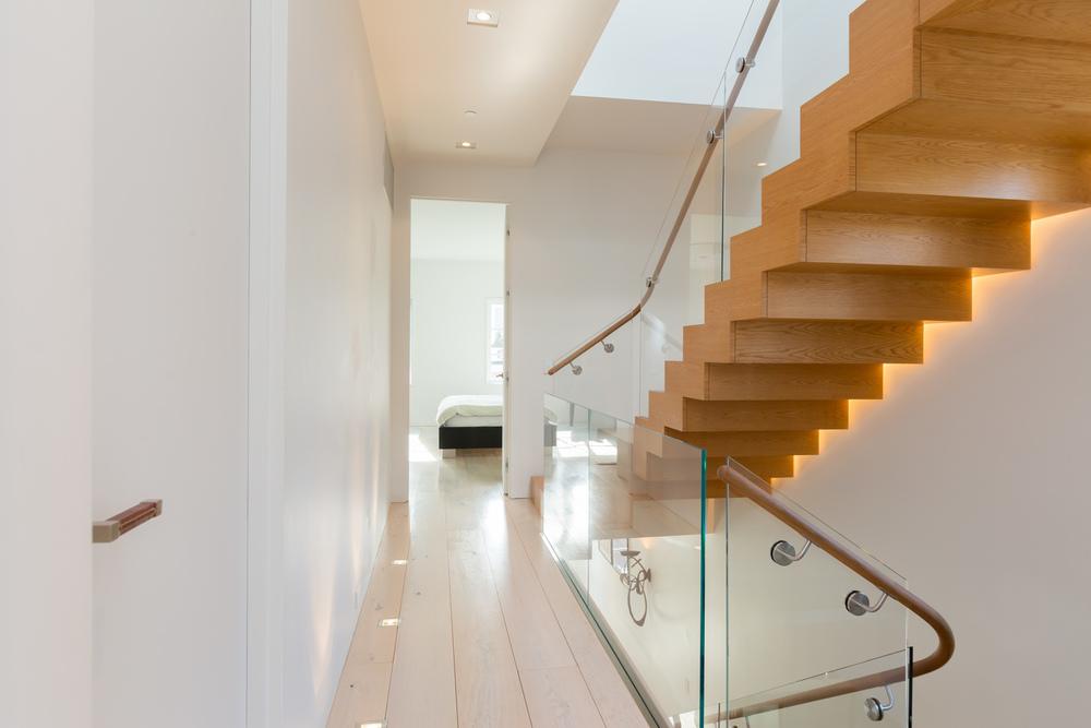 32 Upstairs Hallway.jpg
