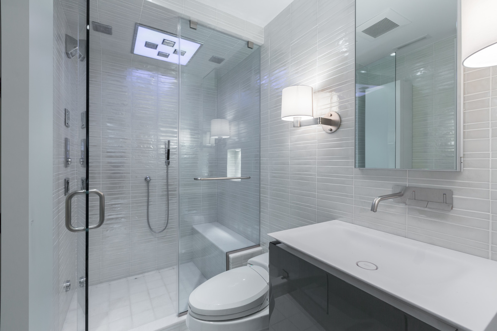 35 Guest Bath.jpg