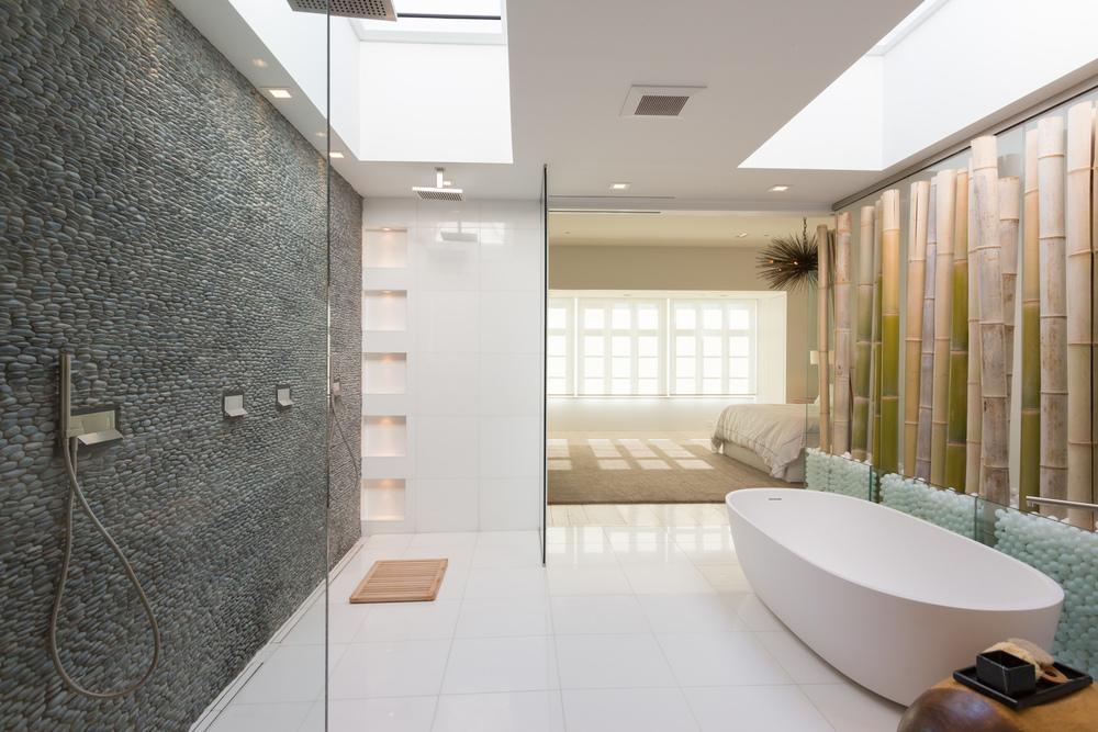 44 Master Bath.jpg