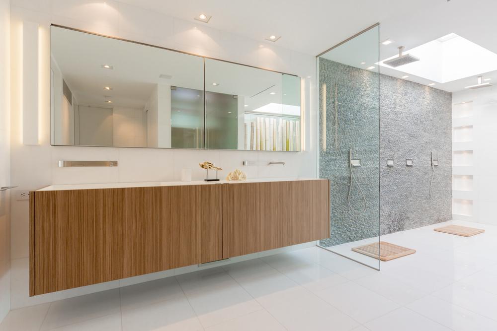 46 Master Bath 3.jpg