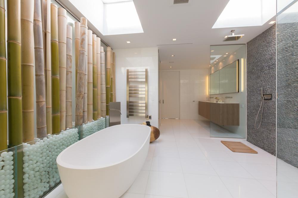 47 Master Bath 4.jpg