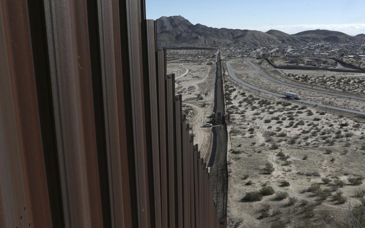 US-Mexican Border Wall at Sunland Park, New Mexico