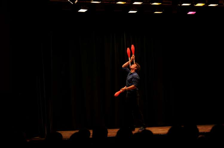 PhotoCredit : Durham City Jugglers