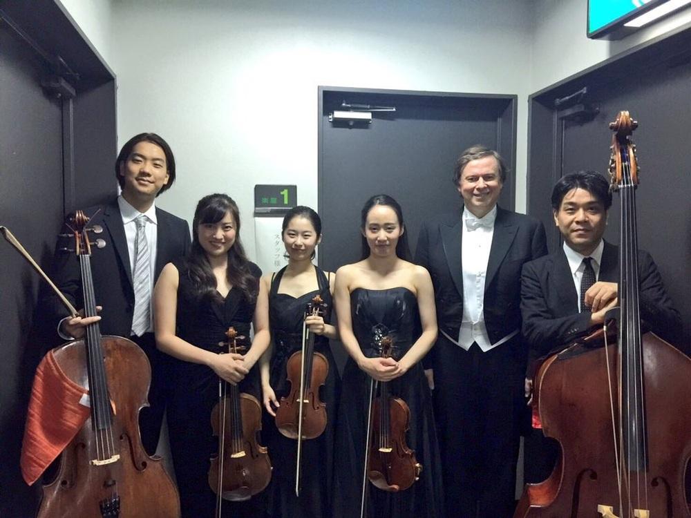 From left: Tatsuki Sasanuma (Cello), Meguna Naka (Viola), Chihiro Kitada (2nd Violin), Yuna Shinohara (1st Violin), Kris Jablonski (Piano), Nobuhisa Hasegawa (Double Bass)
