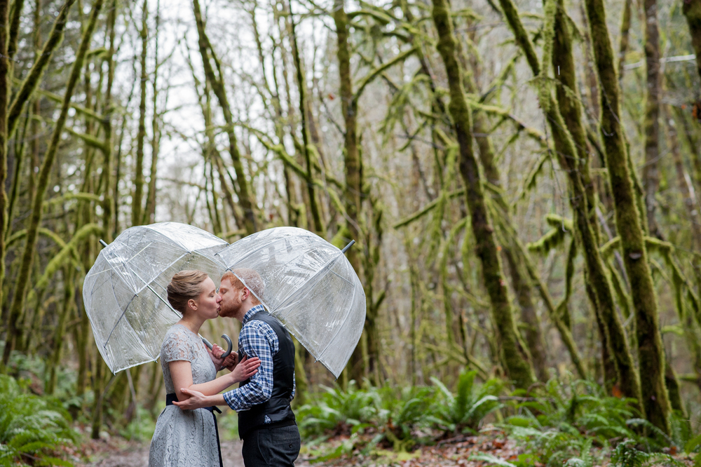 43-beazell-memorial-forest-intimate-outdoor-oregon-wedding.jpg