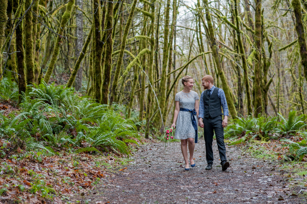 44-beazell-memorial-forest-intimate-outdoor-oregon-wedding.jpg