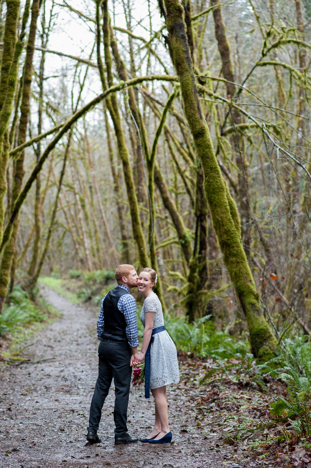 51-beazell-memorial-forest-intimate-outdoor-oregon-wedding.jpg