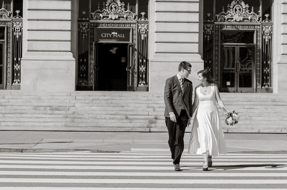 san-francisco-city-hall-wedding-LH0011.jpg