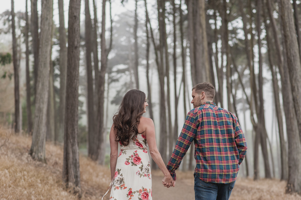 012-foggy-presidio-san-francisco-engagement-vivianchen.jpg