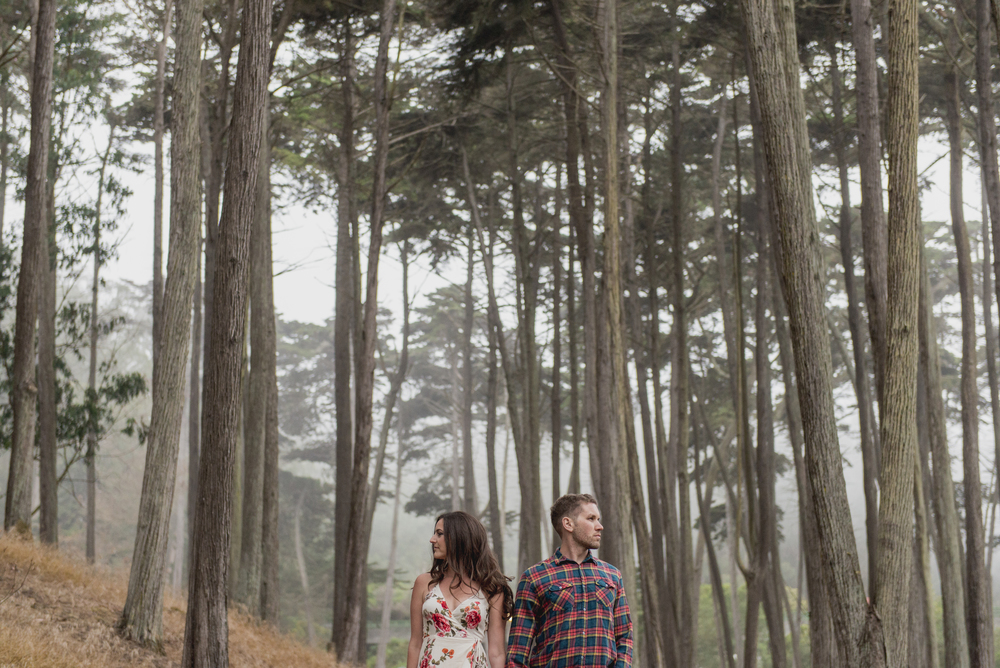 014-foggy-presidio-san-francisco-engagement-vivianchen.jpg