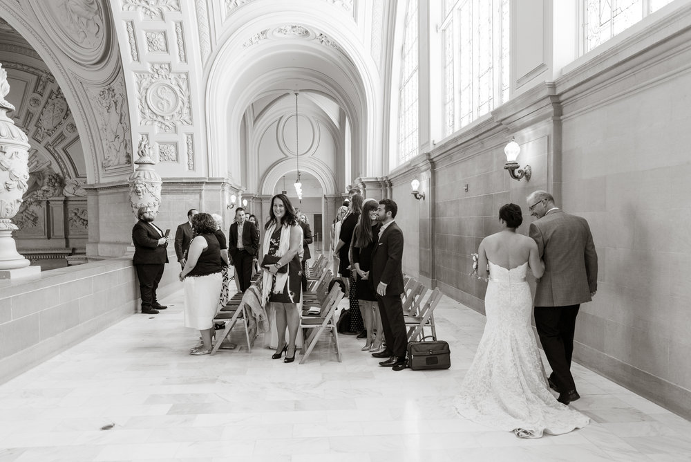intimate-san-francisco-city-hall-wedding-vivianchen-st014.jpg