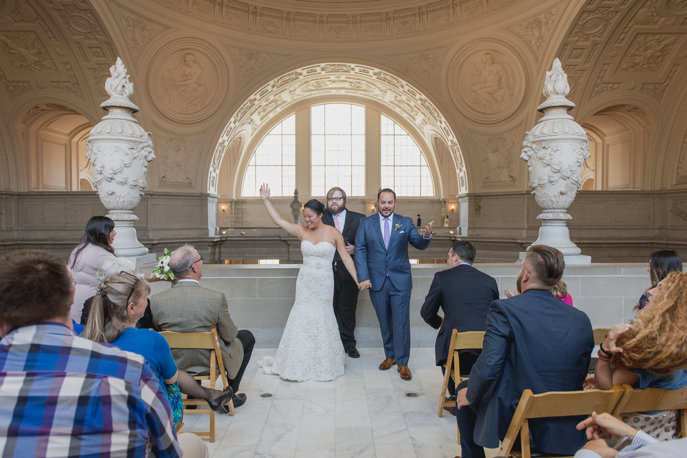 intimate-san-francisco-city-hall-wedding-vivianchen-st022.jpg
