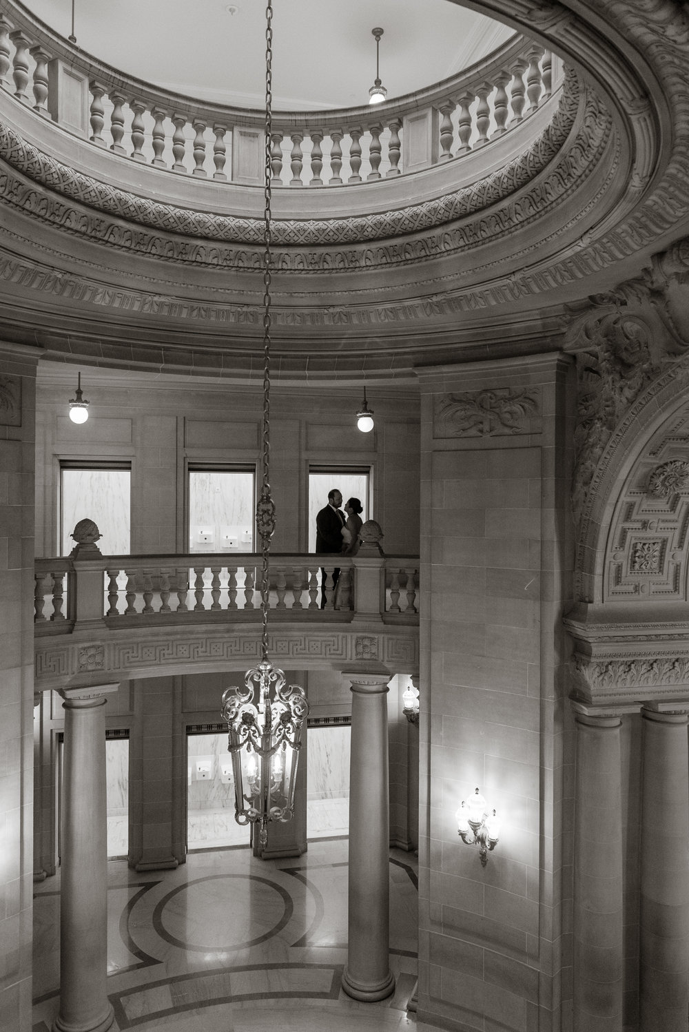 intimate-san-francisco-city-hall-wedding-vivianchen-st033.jpg