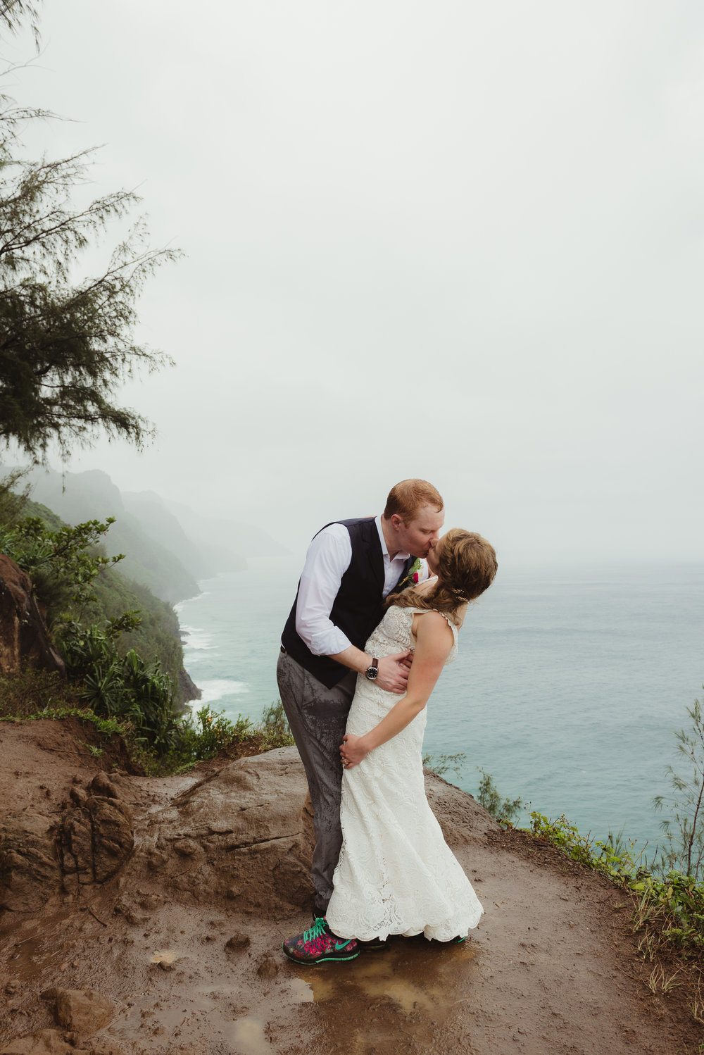 58-kauai-destination-wedding-photographer-vivianchen-0360.jpg