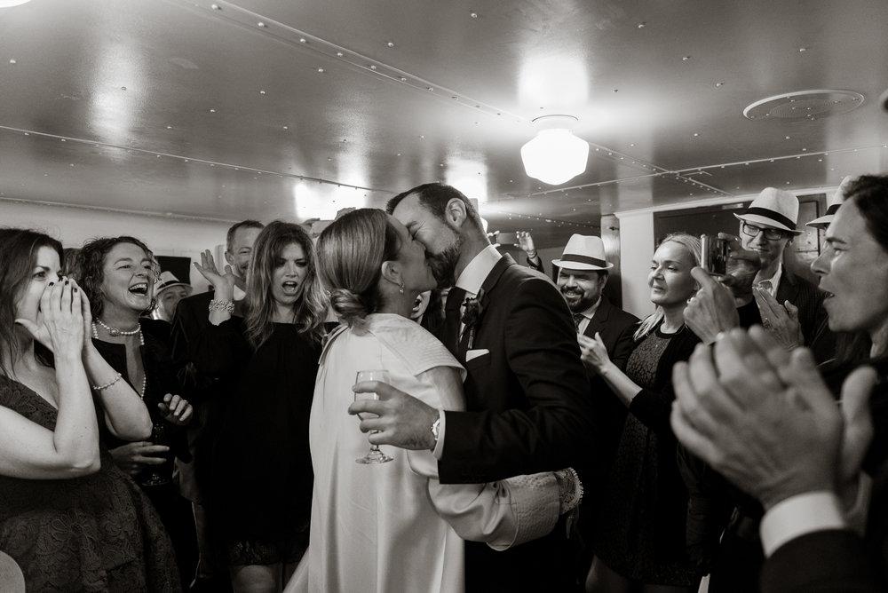 uss-potomac-san-francisco-bay-wedding-vivianchen-70.jpg